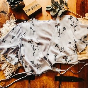Lush knot tie front top